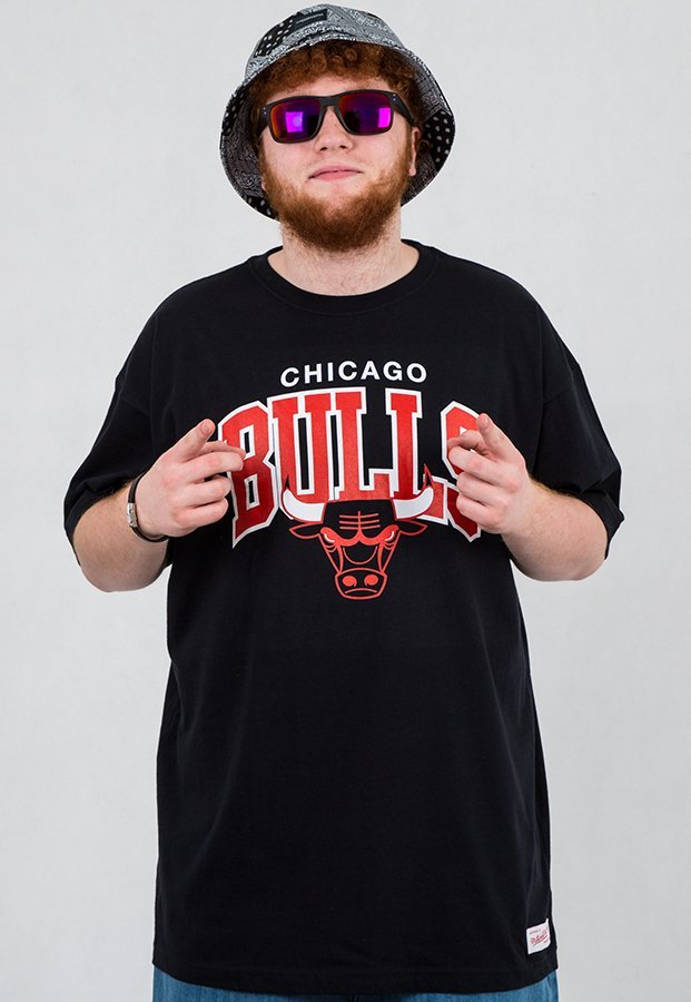 T-shirt Mitchell & Ness NBA Arch Chicago Bulls czarny